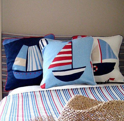 Cojines con motivos marineros habitaciones tematicas - Telas con motivos infantiles ...
