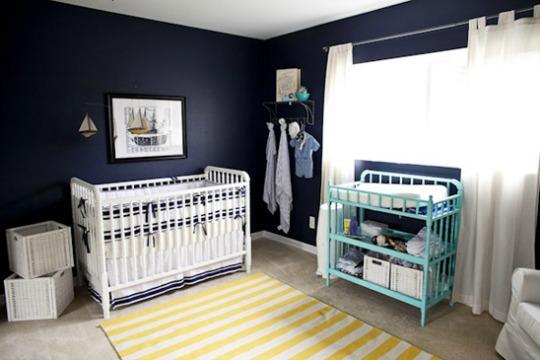 Dormitorio na tico en azul y amarillo habitaciones tematicas for Decoracion habitacion bebe marinero