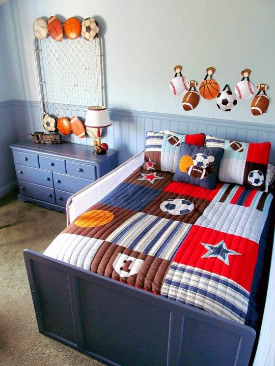 Habitaci n infantil dedicada al deporte habitaciones tematicas - Caballeros y princesas literas ...