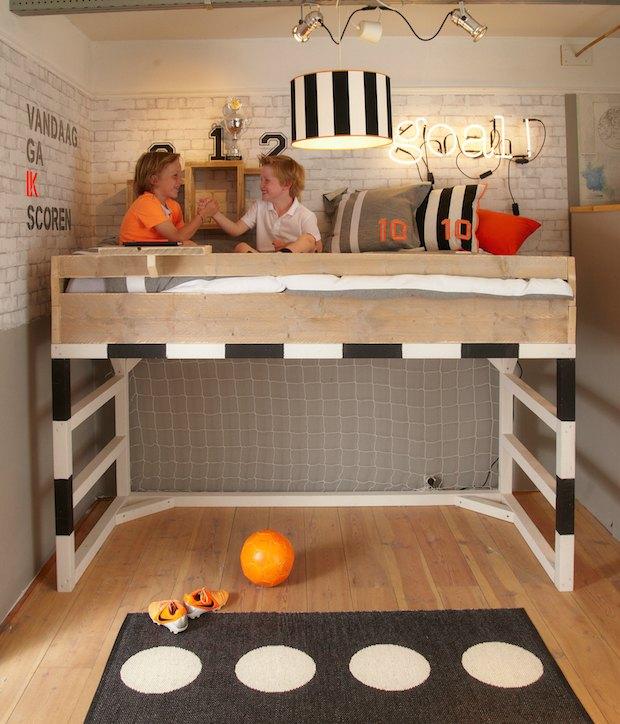 Futbol habitaciones tematicas for Habitaciones con camas altas