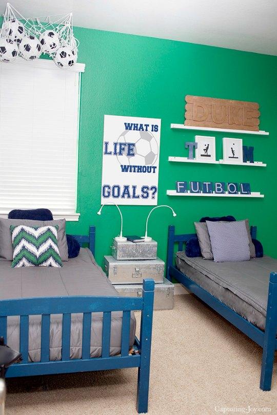 Futbol habitaciones tematicas for Decoracion habitacion juvenil nino