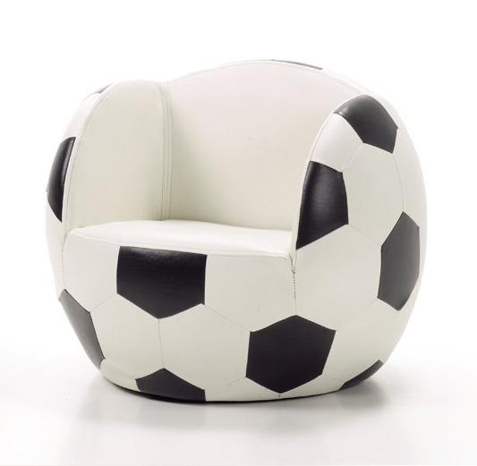 Sillón infantil con forma de balón de fútbol